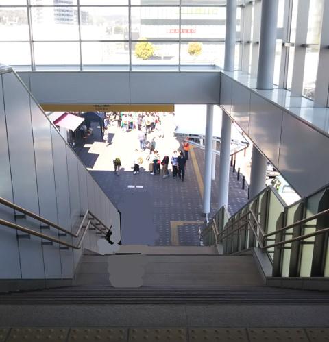 多治見駅南口階段