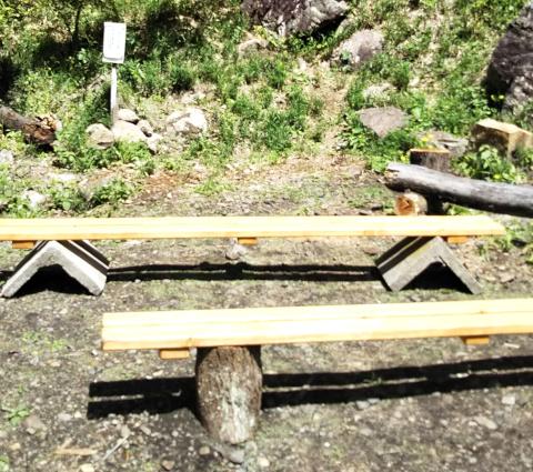 手作りベンチ
